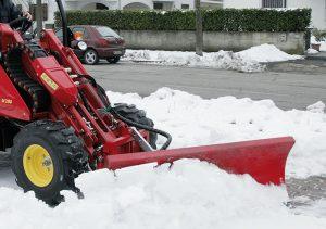 Der Turboloader beim Schneeräumen.
